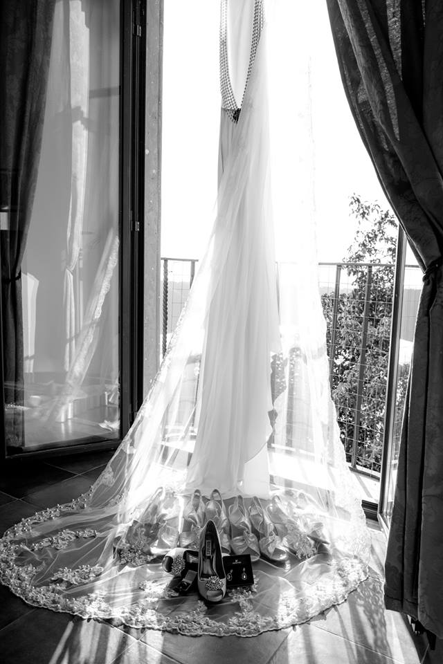brides dress window Italy Rome